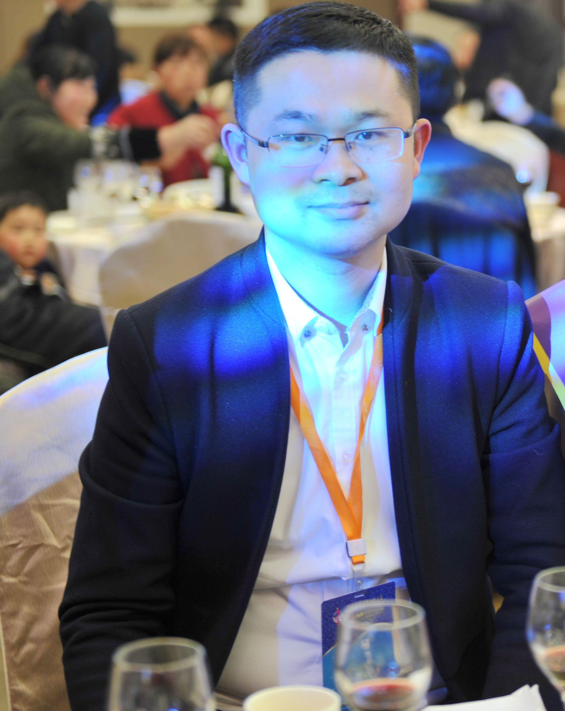 李云鹏 长沙模特协会<span></span><span></span>常务副会长